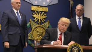 Trump says US will prioritize Christian refugees