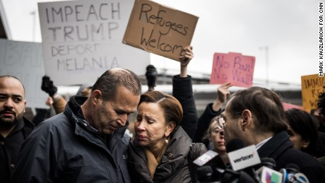 Judge halts implementation of Trump's immigration order