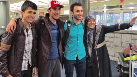 travel ban victim murtadha al-tameemi gary tuchman pkg ac _00012516.jpg