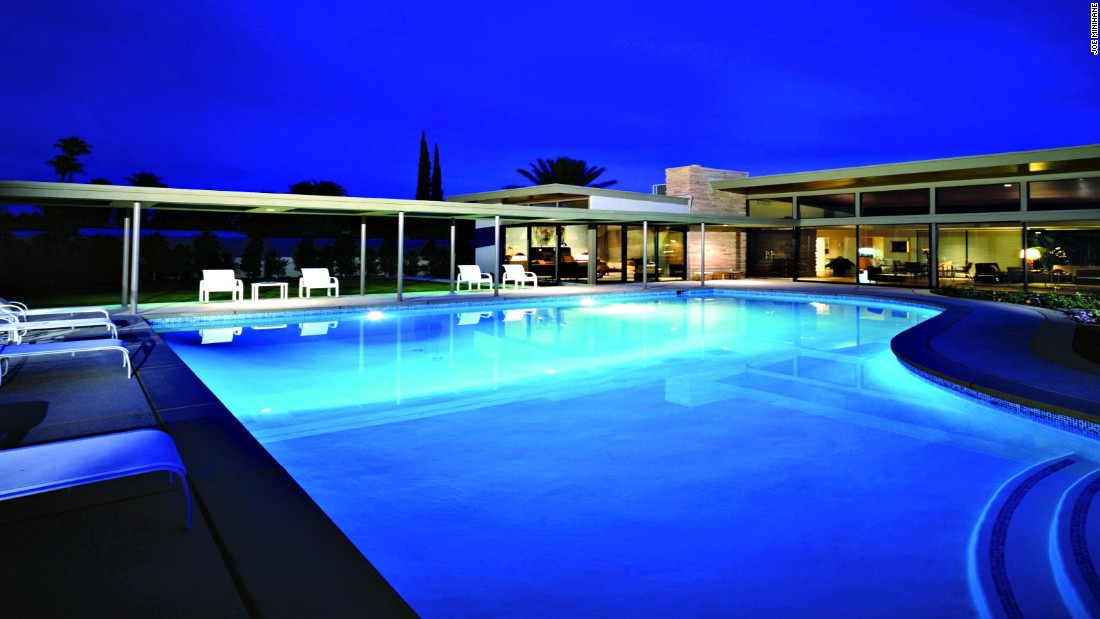 <strong>Twin Palms Estate, Palm Springs, USA:</strong> The former home to Frank Sinatra features a piano-shaped pool and 350 days of sunshine a year.
