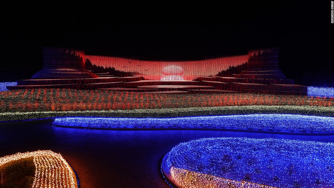<strong>Japanese rice terraces:</strong> Remarkably, the images are made up entirely of lights -- no projections are used to create these scenes.