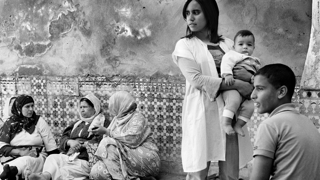 "Celebrated photographer Ali Chraibi's works are an intimate portrait of his home city, displaying hidden lives. <br /><br />Preferring to shoot in black and white he focuses on the daily life of women within Moroccan society, taken ""in their own houses, in their own spaces."""