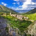Valentines Day travel Abruzzo-mountain-picturesqe-village
