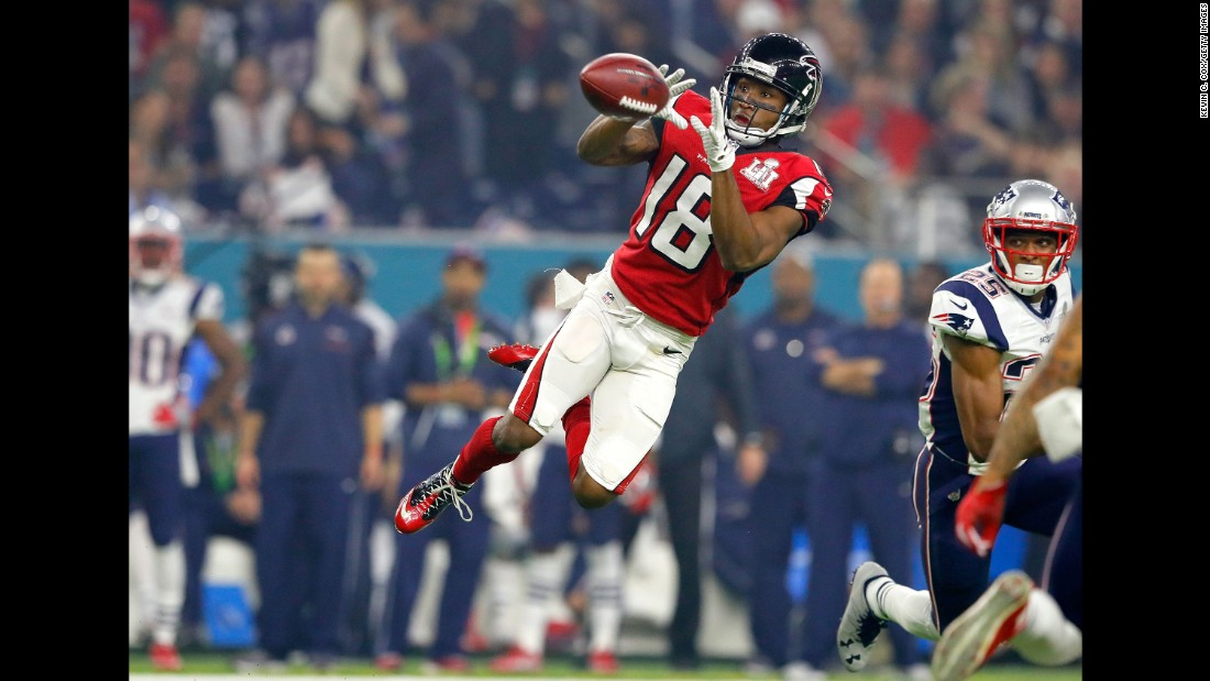 Taylor Gabriel makes a third-quarter catch for Atlanta.