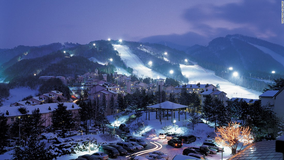 <strong>Yongpyong Ski Resort: </strong>Prefer to hit the slopes after dark? Yongpyong, also known as Dragon Valley, stays open until 2:30 a.m. It has 28 slopes and 14 cable lifts.