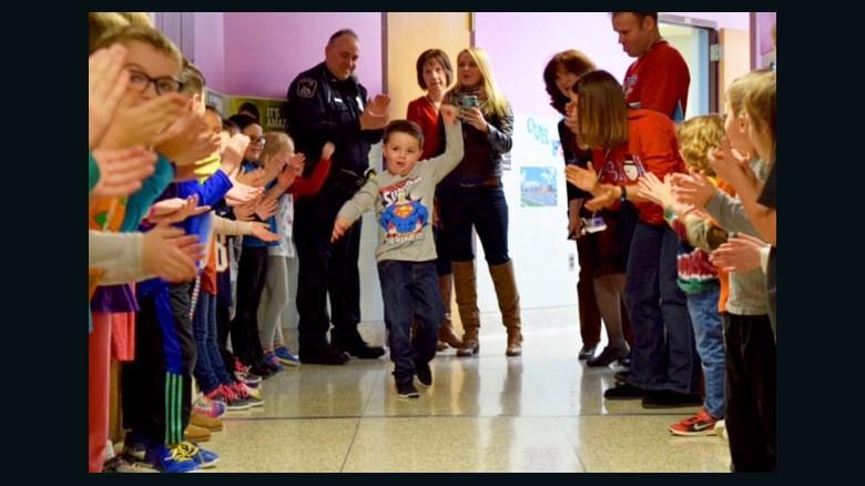 Boy celebrates chemo ending with heart-warming dance – CNN.com