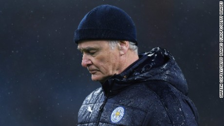 BURNLEY, ENGLAND - JANUARY 31:  Claudio Ranieri, Manager of Leicester City leaves the pitch at the half time during the Premier League match between Burnley and Leicester City at Turf Moor on January 31, 2017 in Burnley, England.  (Photo by Gareth Copley/Getty Images)