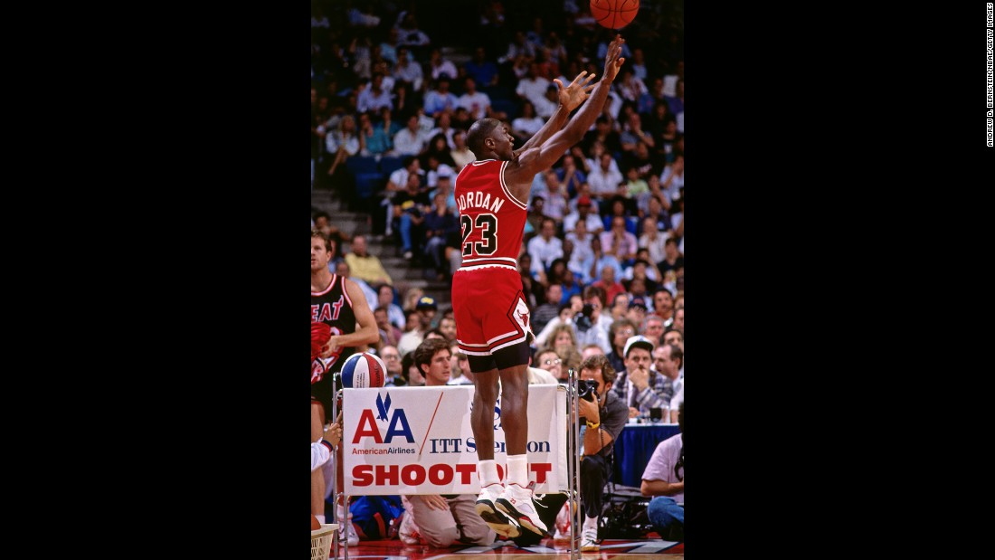 <strong>Lowest score in any round:</strong> He might be the greatest player in NBA history, but Michael Jordan struggled in 1990's contest. He scored only five points, tying Detlef Schrempf's mark from 1988.