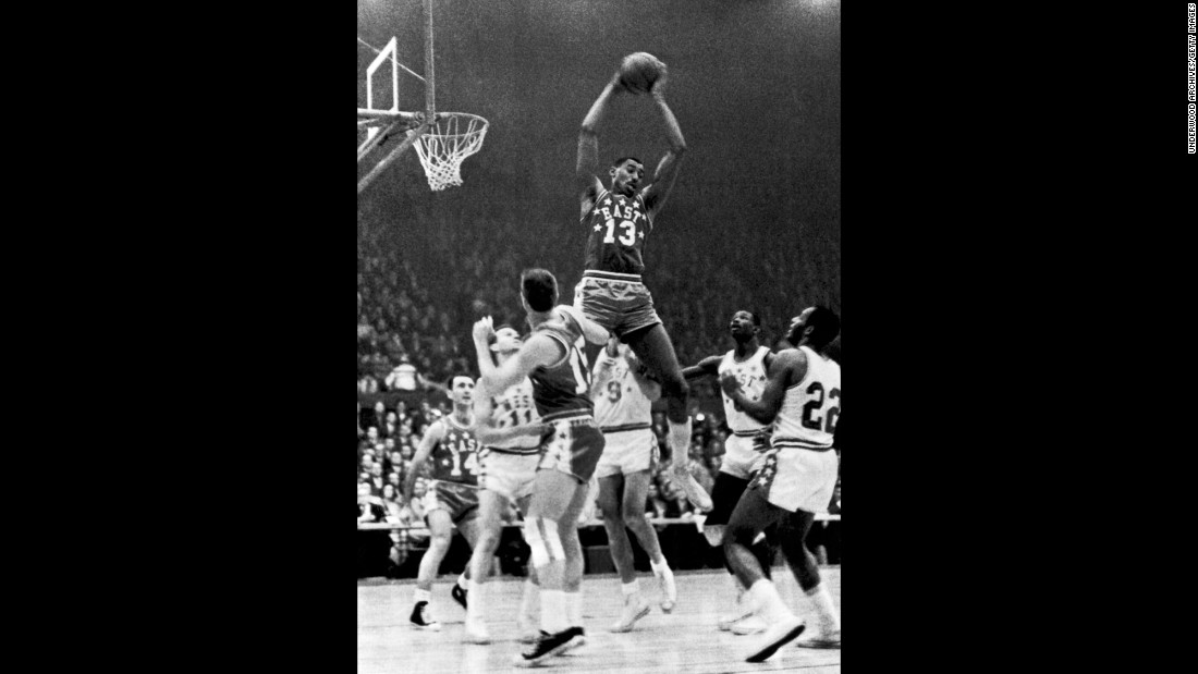 <strong>Most points in a game:</strong> Philadelphia center Wilt Chamberlain scored 42 points in the 1962 All-Star Game. Two months later, he set the league's all-time scoring record by putting up 100 against the New York Knicks. The All-Star Game scoring record was shattered in 2017 by Anthony Davis of the New Orleans Pelicans, who scored 52 points -- ten points more than Chamberlain.