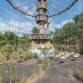 japanese abandoned theme park 16
