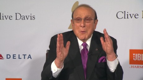 clive davis need for government arts support_00000112