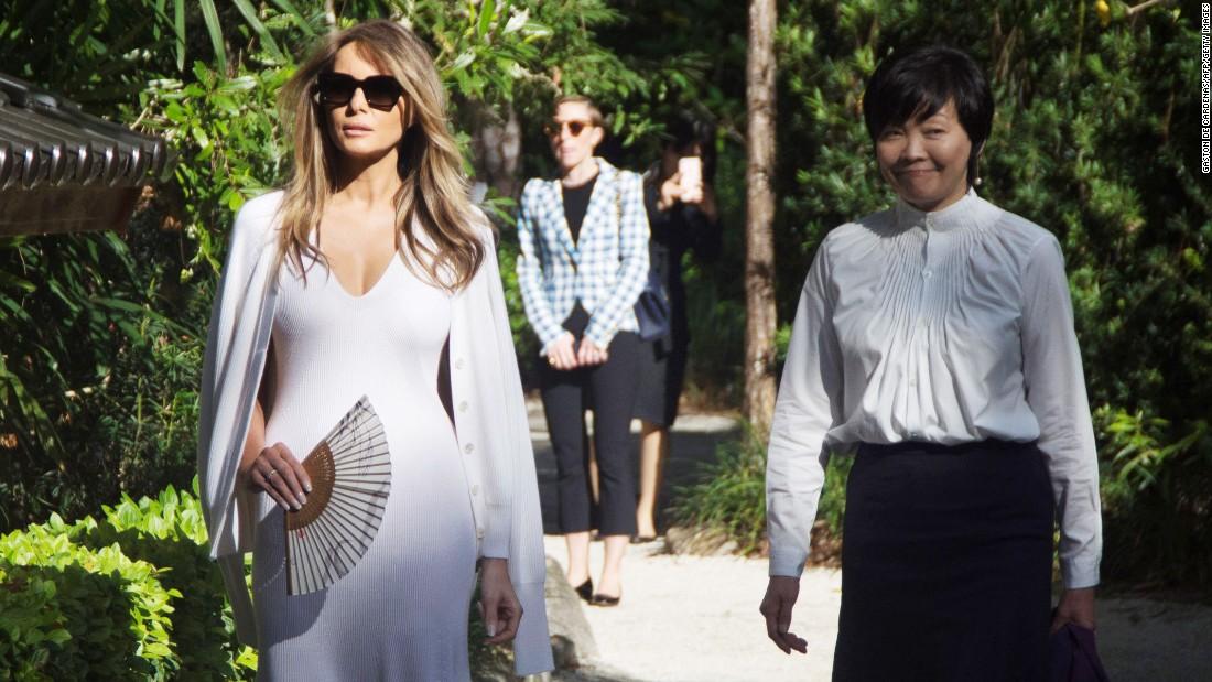 Melania Trump visits Japanese garden with Akie Abe ...