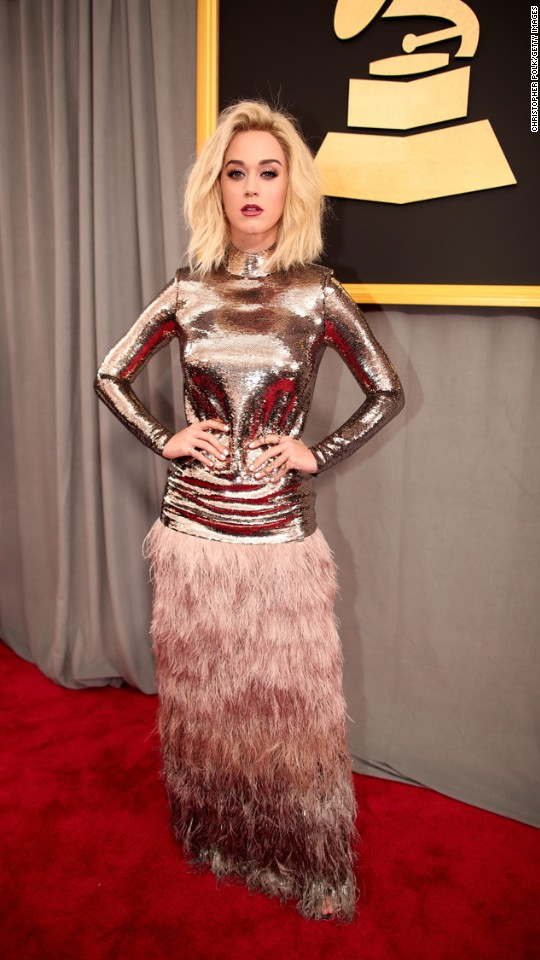 http://i2.cdn.cnn.com/cnnnext/dam/assets/170212195904-18-grammys-2017-red-carpet-super-916.jpg
