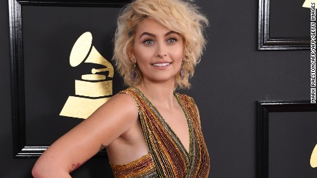 Paris Jackson arrives for the 59th Grammy Awards pre-telecast on February 12, 2017, in Los Angeles, California.  / AFP / Mark RALSTON        (Photo credit should read MARK RALSTON/AFP/Getty Images)