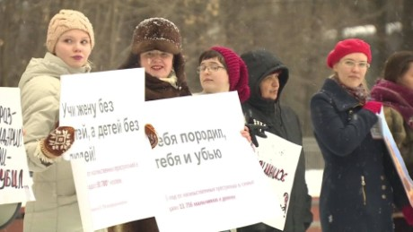 Protests over weak domestic violence laws in Russia_00023215