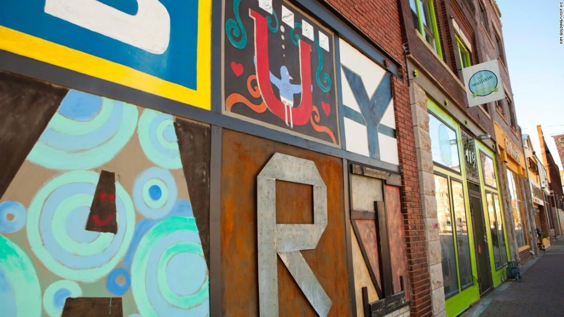 On the first Friday of each month, Kansas City's Crossroads Arts District hosts an art crawl, where visitors enjoy galleries, street performers and food trucks.