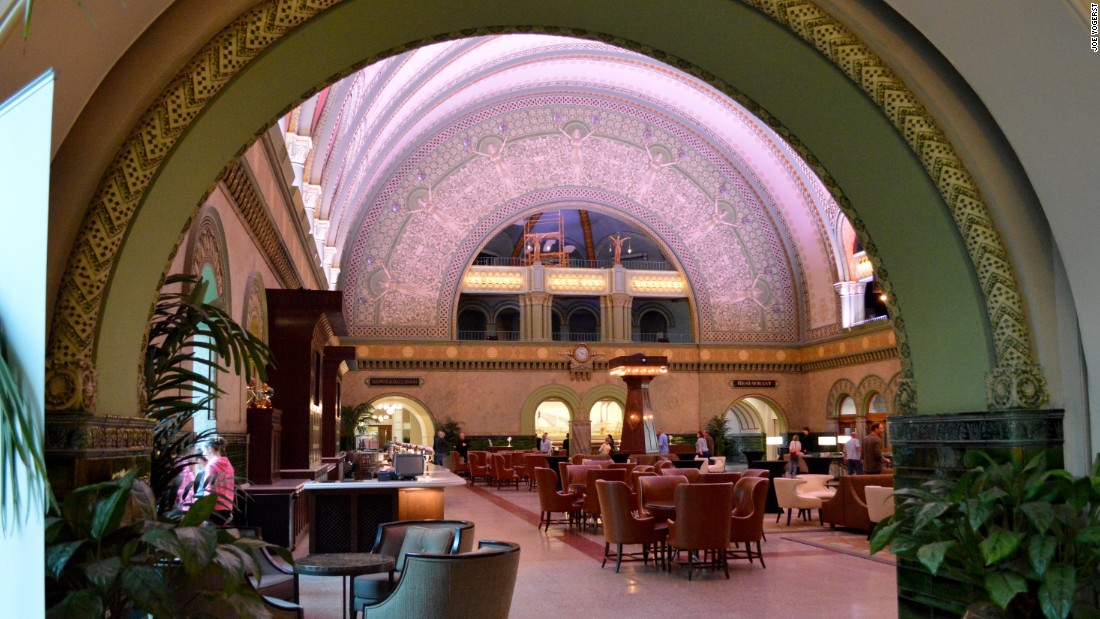 Opened in 1894 as the world's largest train station, St. Louis' renovated Union Station structure serves as a luxury hotel, shopping mall and transportation hub.