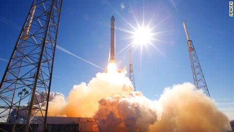 SpaceX Falcon 9 FLT-002 101208