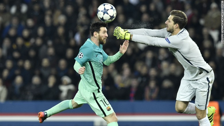 PSG: Kevin Trapp keeps Messi at bay