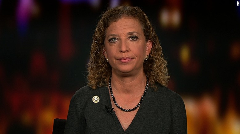 Ex-DNC chair : Trump aides reek of collusion