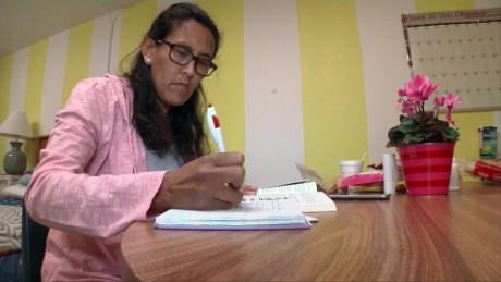 cnnee pkg gustavo valdes ee.uu. niegan suspension de deportacion a migrante mexicana_00004316