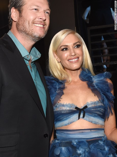 "LOS ANGELES, CA - JANUARY 18:  Singer/Songwriter Blake Shelton, winner of the Favorite Male Country Artist Award and Favorite Album ""If I am Honest"", poses with Gwen Stefani, backstage at the People's Choice Awards 2017 at Microsoft Theater on January 18, 2017 in Los Angeles, California.  (Photo by Emma McIntyre/Getty Images for People's Choice Awards)"