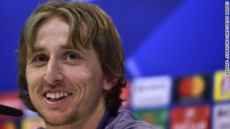Real Madrid's Croatian midfielder Luka Modric smiles during a press conference at Valdebebas Sport City  in Madrid on February 14, 2017, on the eve of the UEFA Champions League football match Real Madrid CF vs SSC Napoli. / AFP / GERARD JULIEN        (Photo credit should read GERARD JULIEN/AFP/Getty Images)