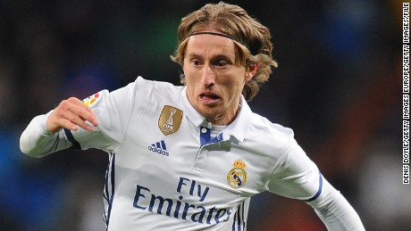 MADRID, SPAIN - JANUARY 18:   Luka Modric of Real Madrid in action during the Copa del Rey Quarter Final, First Leg match between Real Madrid CF and Celta Vigo at Bernabeu on January 18, 2017 in Madrid, Spain.  (Photo by Denis Doyle/Getty Images)