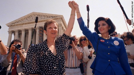 Roe v. Wade plaintiff Norma McCorvey dies at age 69