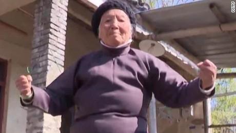 kung fu granny vans pkg_00000611.jpg