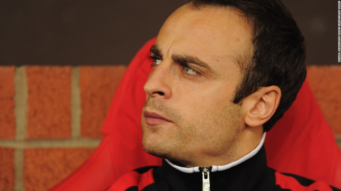 Dimitar Berbatov Interviews…Himself – KICK