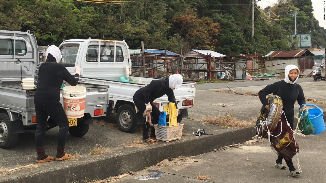 <strong>Heading out: </strong>About 800 of Japan's 2,000 or so ama -- including this team -- resides in the Ise-Shima area of Japan's Mie prefecture.