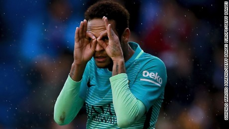 VITORIA-GASTEIZ, SPAIN - FEBRUARY 11:  Neymar JR. of FC Barcelona celebrates scoring their second goal during the La Liga match between Deportivo Alaves and FC Barcelona at Estadio de Mendizorroza on February 11, 2017 in Vitoria-Gasteiz, Spain.  (Photo by Gonzalo Arroyo Moreno/Getty Images)