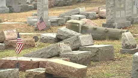 Muslim activists raise money for repairs at vandalized Jewish cemetery.