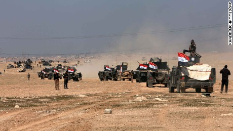 Iraqi special forces advance towards the western side of Mosul, Iraq, Thursday, Feb. 23, 2017. The advance comes as part of a major assault that started five days earlier to drive Islamic State militants from the western half of Mosul, Iraq's second-largest city. (AP Photo/Khalid Mohammed)