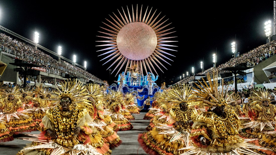 <strong>The Sambódromo--</strong>The annual Samba Parade takes place in the Sambódromo, an event space created by architect Oscar Niemeyer that holds more than 72,000 people.
