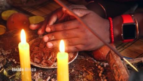 Inside Africa - Traditional Healing - B_00024421.jpg