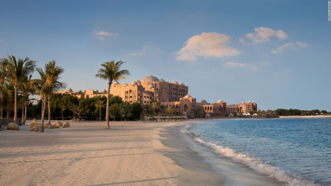 <strong>Private beach: </strong>Emirates Palace spans one kilometer from wing to wing with a 1.3-kilometer stretch of private beach.