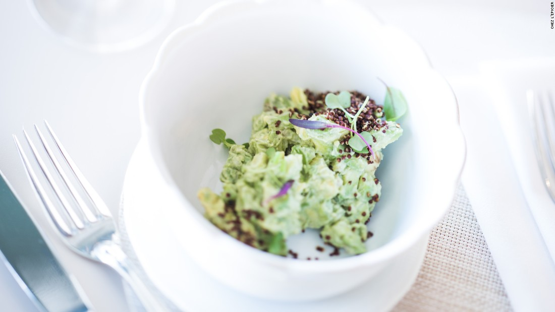 <strong>Avocado tartare</strong>. Want to enjoy this lovely dish, a specialty at Chez L'Épicier? If it's the weekend, reservations are recommended.