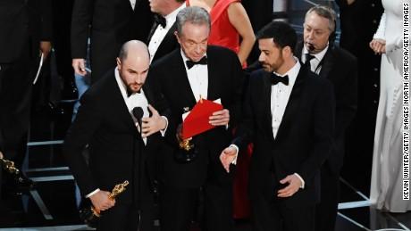 'La La Land' producer Jordan Horowitz  announces the actual best picture winner as 'Moonlight' after a presentation error.