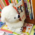 02 stuffed animals reading