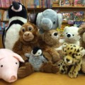 05 stuffed animals reading