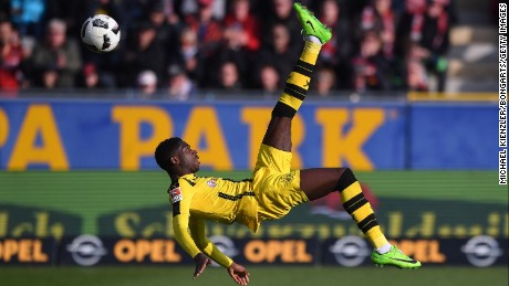 FREIBURG GERMANY - FEBRUARY 25: Ousmane Dembele of Borussia Dortmund in action during the Bundesliga match between Sport Club Freiburg and Borussia Dortmund at Schwarzwald-Stadion on February 25, 2017 in Freiburg, Germany.  (Photo by Michael Kienzler/Bongarts/Getty Images)