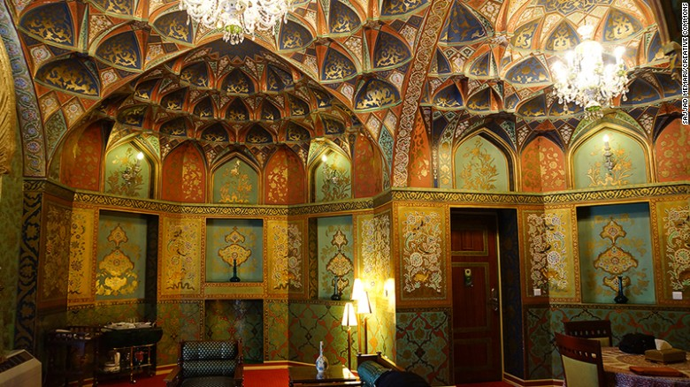 The Abbasi's Qatar and Safarvid suites (pictured here) are its most atmospheric rooms.