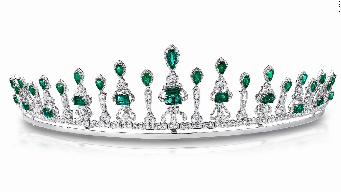 This sparkling diamond and Muzo emerald tiara converts into an elegant necklace.