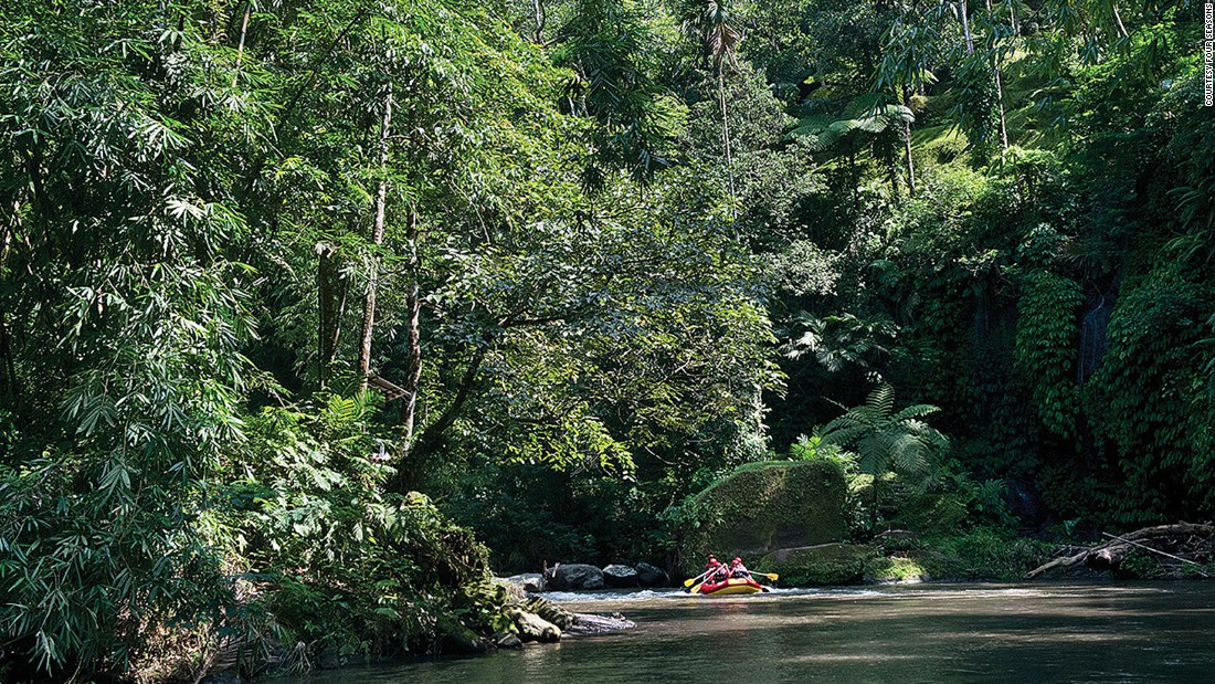 <strong>Head to the tropics during rainy season: </strong>Wet season may put a damper on beach visits and volcano trekking, but on the other hand, it's an ideal time for river rafting and waterfall chasing.