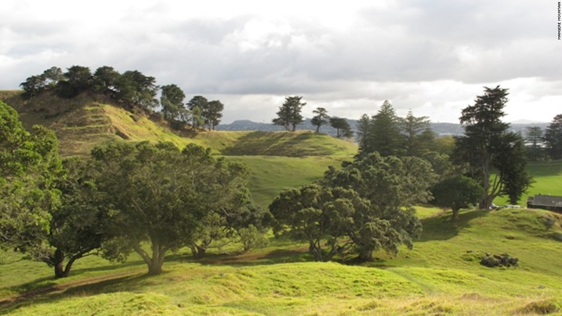 "<strong>Mangere Mountain: <a href=""http://www.doc.govt.nz/get-involved/conservation-education/resources/local-field-trips/auckland/mangere-mountain/education-resource/"" target=""_blank""></strong>Mangere Mountain is some 30,000 years old.</a> Standing at 106 meters, it has three craters and the Auckland volcanic field's only ""tholoid"" -- a lava plug that forms a dome in the middle of one of its craters."