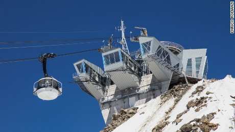 Skyway Monte Bianco: Peering across the roof of Europe.