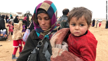 Fearful residents flee western Mosul