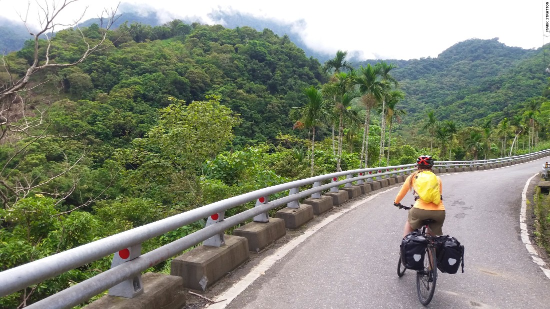 <strong>Route No. 1: </strong>This Taiwan bike journey is made up of a mix of experiences, including cross-country roads such as Route No. 23 from Chihshang to Taitung -- usually traffic-free.